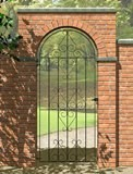 Ludlow Bow Top Scroll Gate 0.84m x 1.84m