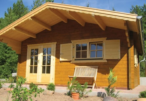 Montana log cabin with an porch area